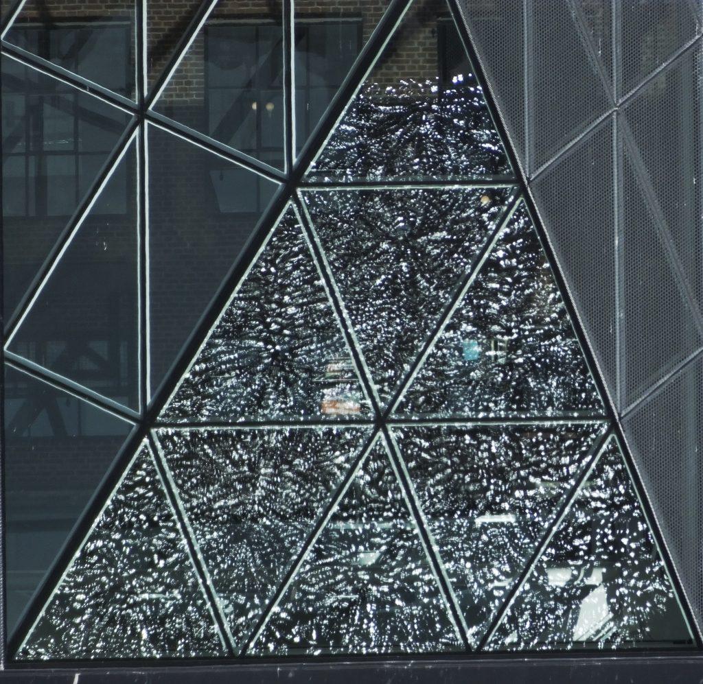 Elágazások. Háromszögek. Tükörkép.