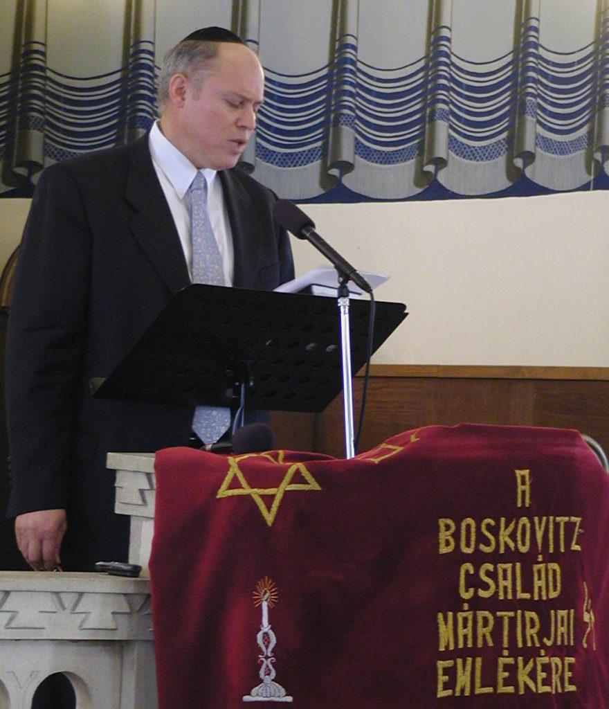 Deutsch László rabbi. 2003. Újpesti zsinagóga