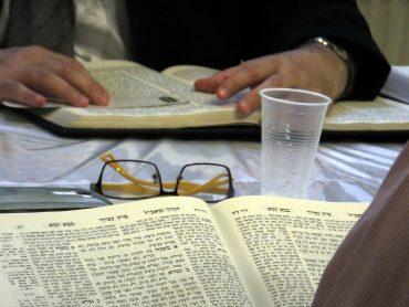 reggeli Talmud-tanulás, Vasvári, Oberlander Báruch